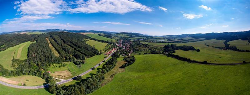 4e1c746cfc8 Podhorská obec Valašské Příkazy se nachází asi 20 km jižně od Vsetína